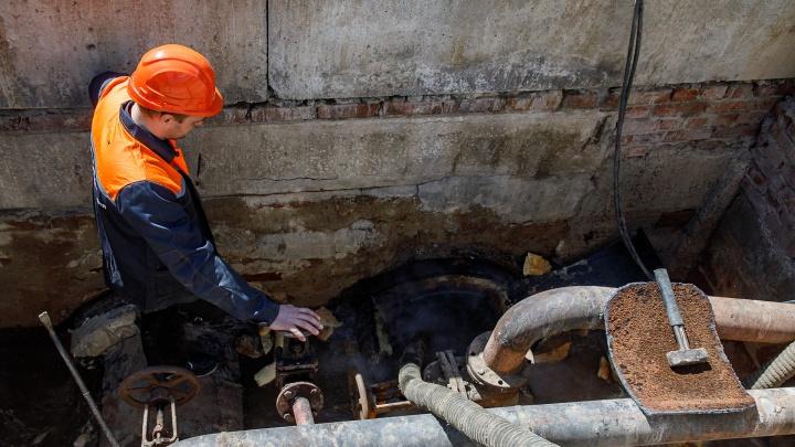 Готовим тазики и запасаемся терпением: кому в Волгограде отключат горячую воду