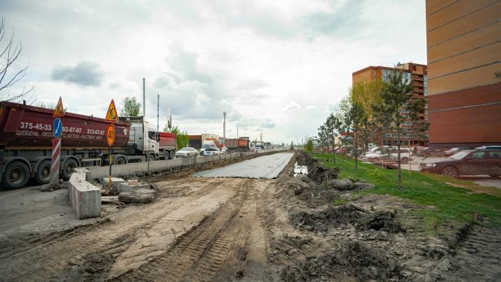 Дорогу на Большой отремонтируют на год раньше — работы там простаивали месяц