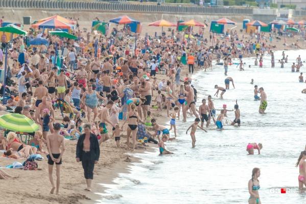 Девять пляжей не могут вместить всех отдыхающих