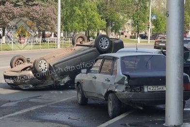 По предварительной версии, водителю стало плохо за рулем