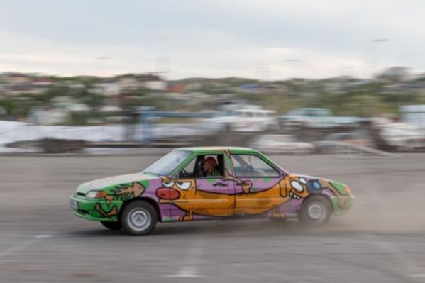 Машина-«котопес» закружит зрителей