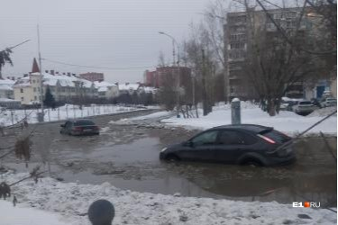 На улице Ткачей коммунальная авария
