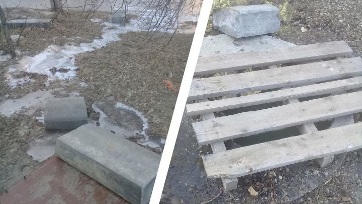 «Вонь поднимается до седьмого этажа»: в Волгограде дворы Краснооктябрьского района неделю заливает нечистотами
