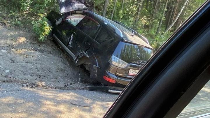 Нетрезвый водитель выехал на встречку и устроил ДТП с четырьмя автомобилями на въезде в Красноярск