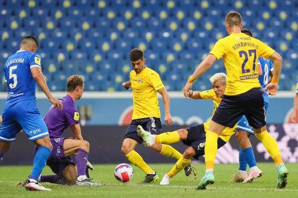 «Ростов» пропустил два гола в первом тайме