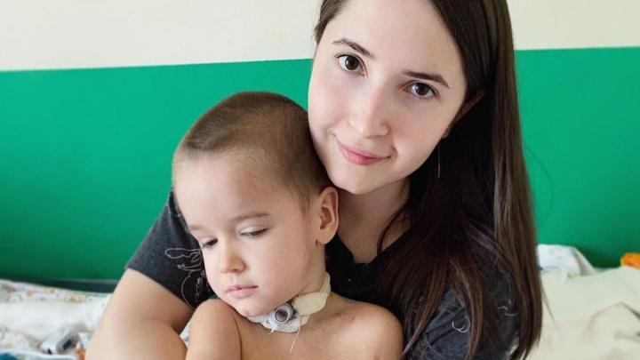 «Все говорят, что это чудо»: мальчика из Волгограда, впавшего в кому из-за неизвестной инфекции, переводят в Москву