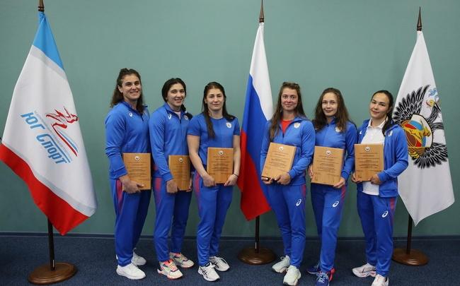 Две красноярки поедут на Олимпиаду в Токио в составе сборной России по борьбе