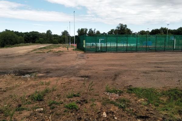 Вокруг нового ФОКа в Рыбинске ничего не благоустроено
