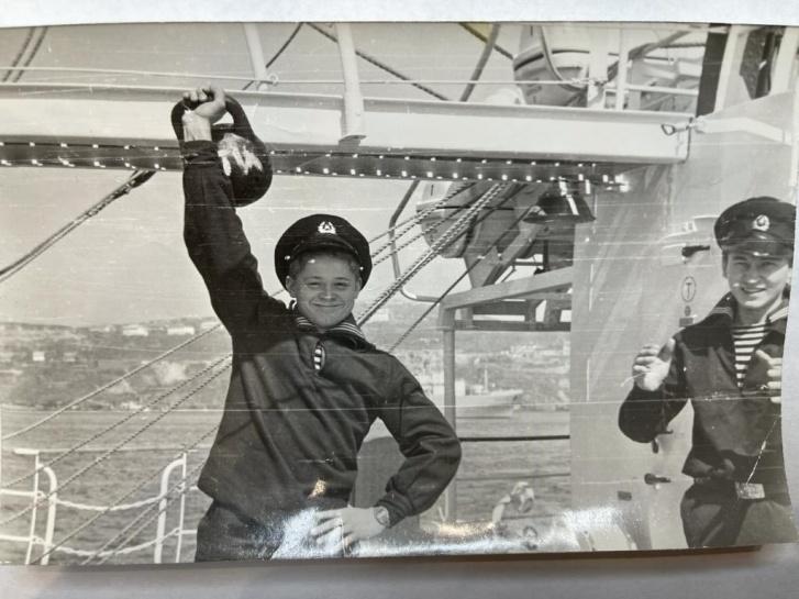 """Так Константин выглядел в <nobr class=""""_"""">17 лет</nobr> — сразу после окончания мореходного училища в Петропавловске-Камчатском"""