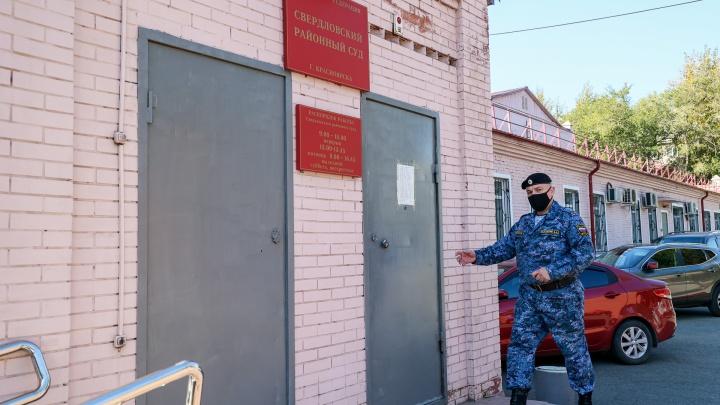 Быкова догнали 90-е: за что осудили политика и бизнесмена