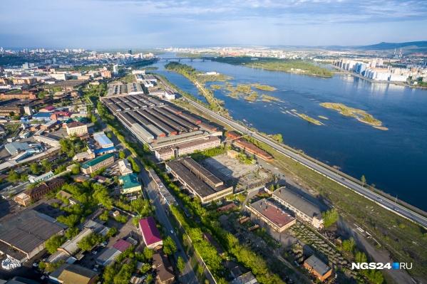 Вид на еще не снесенные корпуса комбайнового завода