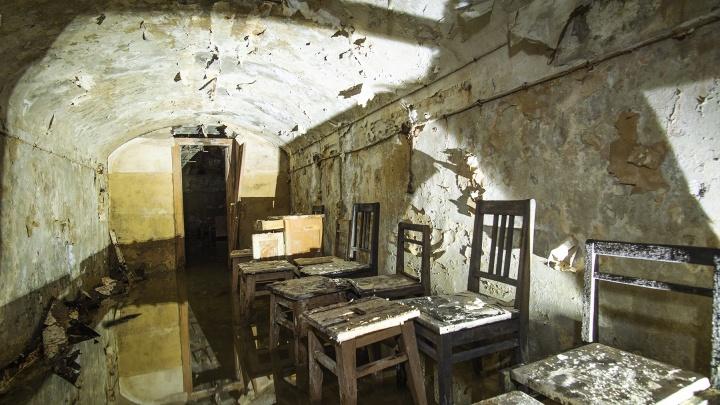 Диггер показал затопленный подземный бункер в центре Самары