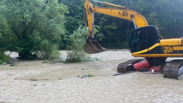 Наводнение на Кубани. Собрали всё, что известно сейчас об эвакуации людей и затопленных домах