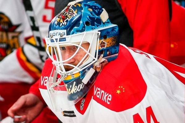 В КХЛ Дмитрий Шикин дебютировал в 2015 году