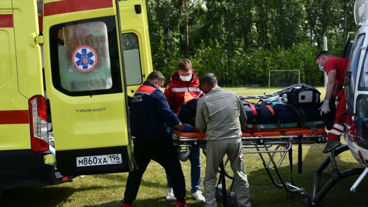 «Все в крайне тяжелом состоянии». Медики рассказали о пострадавших от наезда автобуса в Лесном