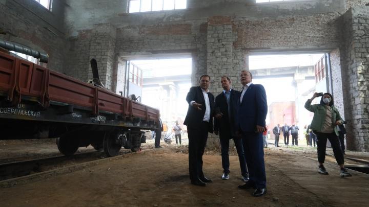 Симановский с Орловым устроили субботник в старинном депо на вокзале