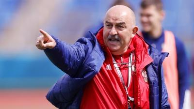 Тренер сборной России по футболу ответил на вопрос о своей отставке