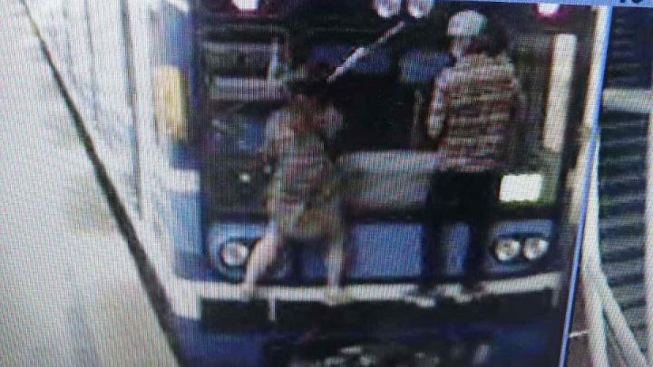 Появилось видео экстремальной поездки «зацеперов» на вагоне метро в Самаре