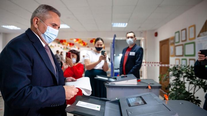 В Тюмени губернатор Моор пришел на выборы и раскритиковал однодневное голосование