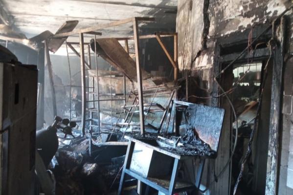 Так выглядит лаборатория после пожара изнутри
