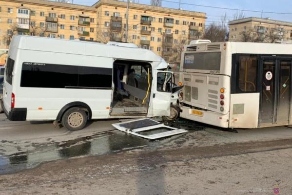 Жуткая авария произошла еще 15 февраля