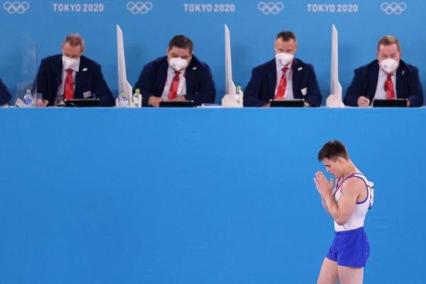 В гимнастике у мужчин интрига держалась до последней секунды. В итоге Никита Нагорный принес сборной бронзу