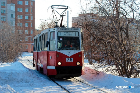 Некоторые трамваи в Омске настолько старые, что уже почти могут считаться ретротранспортом