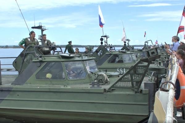Понтонеры в общей сложности пройдут пять тысяч километров по рекам России