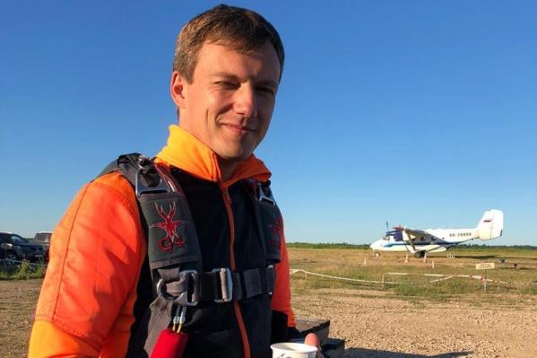 Музыченко был одним из четырех пассажиров <nobr>L-410</nobr>, прилетевших в Татарстан из Башкирии
