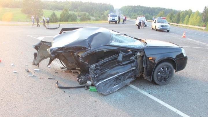 Машину разорвало на две части. В Пермском крае 13-летний мальчик погиб в ДТП