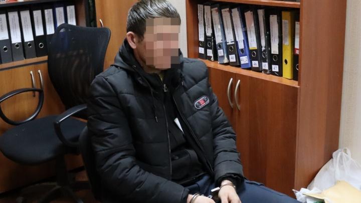 Нижегородский СК опубликовал видео с подозреваемым в убийстве четырех человек