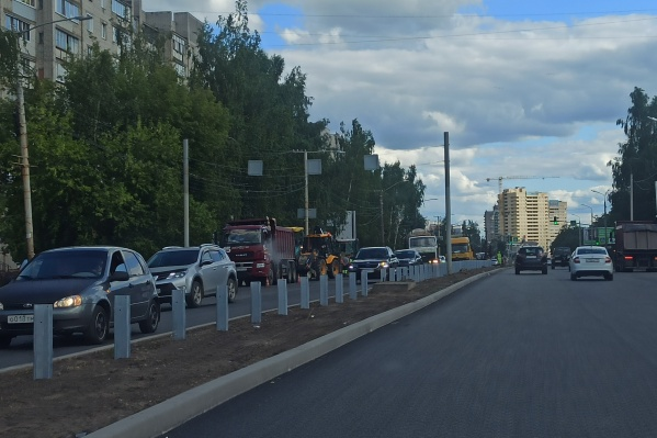 На проспекте Машиностроителей в Ярославле поставят отбойник