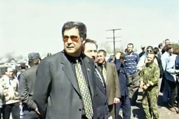 """Аман Тулеев в Кузбассе в <nobr class=""""_"""">1997 году</nobr> во время шахтерских забастовок&nbsp;"""