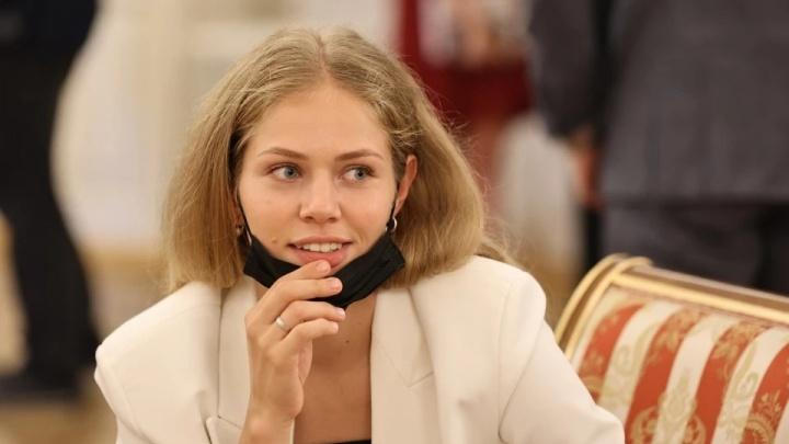 «Неделя взаперти пугает»: медалистку из Челябинска закрыли на карантин перед награждением в Кремле
