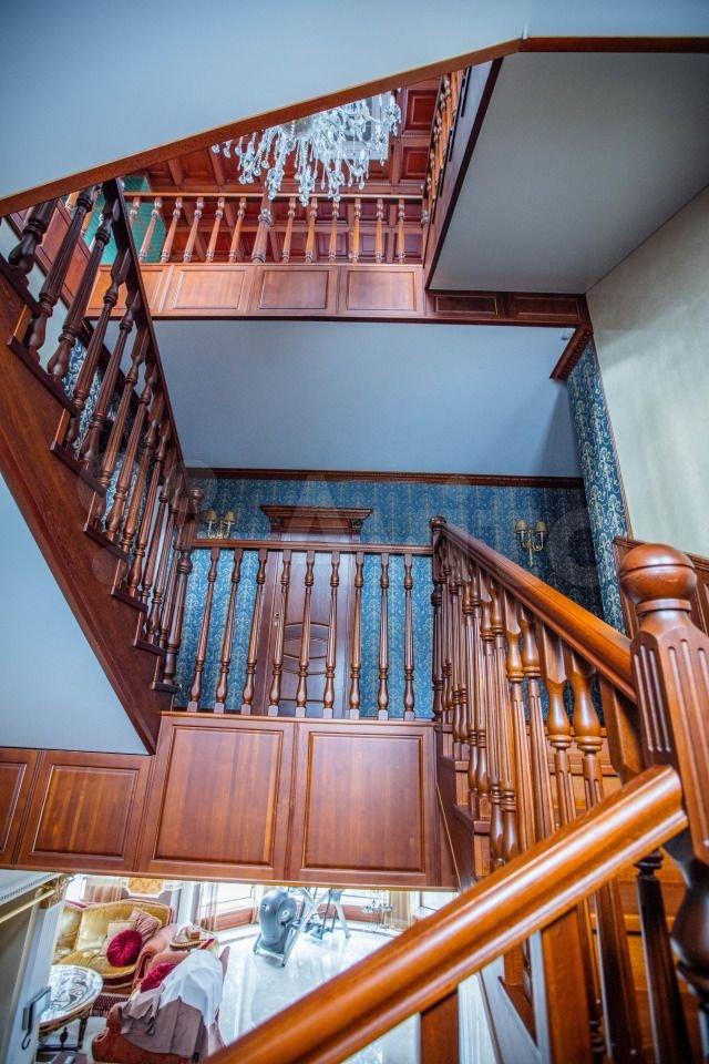 Лестница с интересного ракурса
