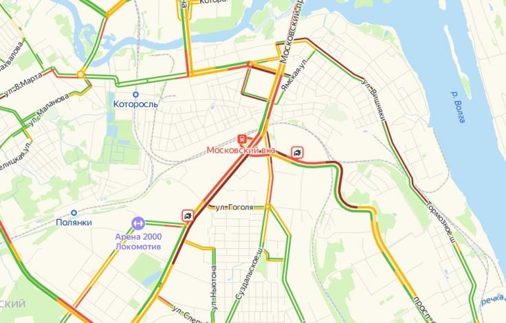 На главных проспектах Фрунзенского и Красноперекопского районов из-за утренних ДТП скопились мощнейшие пробки