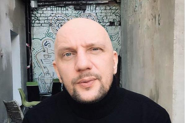 Телеграм-канал: в центре Москвы ранили солиста омской группы «25/17» Андрея «Бледного»