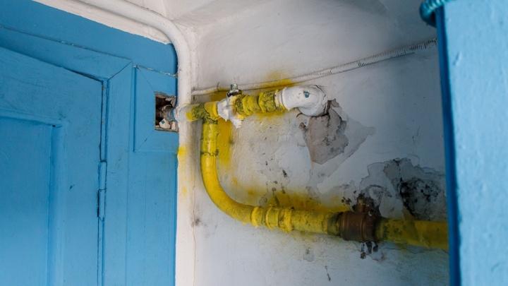 В Волгограде сотрудники мобильного оператора порвали газовую трубу в многоквартирном доме