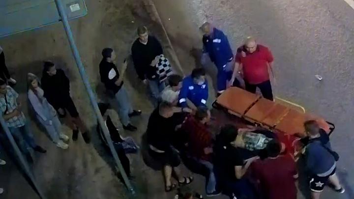 «Привезли крайне тяжелым»: разбившийся в центре Волгограда мотоциклист умер в реанимации