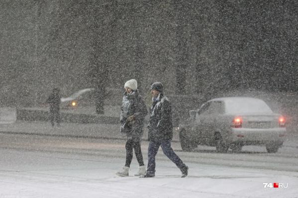Зима не хочет уходить от челябинцев