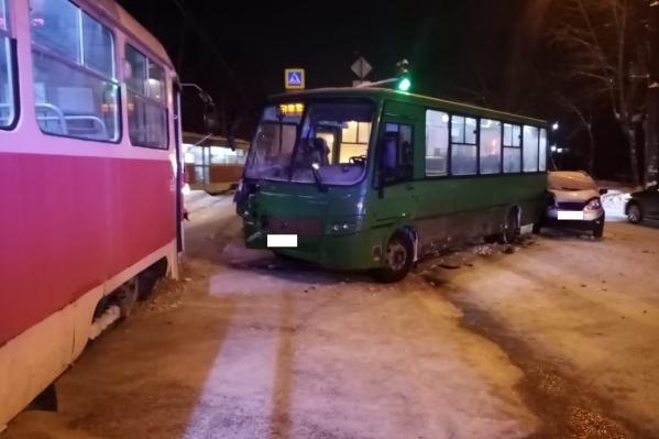 ДТП спровоцировал водитель автобуса