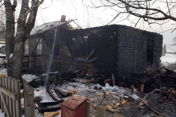 На пожаре погибли четыре человека