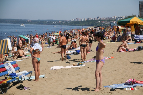 В жару так и тянет на пляж