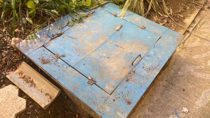 В Сочи ребенок провалился в канализационный люк глубиной 5 метров