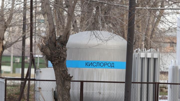 В Челябинской области пациенты и врачи начали жаловаться на нехватку кислорода. Как решают проблему