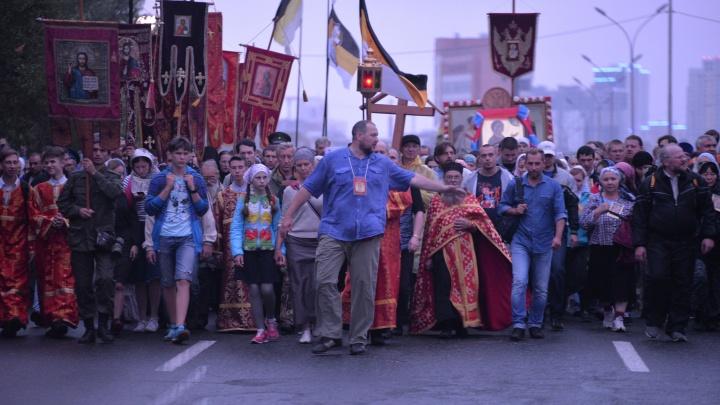 В Екатеринбурге, несмотря на протест митрополита, отменили крестный ход