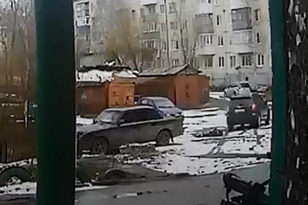 Водитель и пассажир уехали с места происшествия, не оказав помощи архангелогородцу