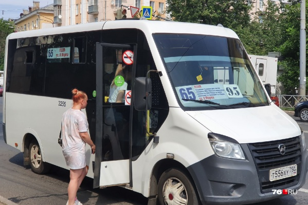 """Самыми проблемными сегодня утром оказались автобусы на маршрутах <nobr class=""""_"""">№ 65</nobr>, 66 и 79"""