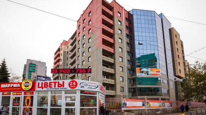 Желающих — сотни: власти Челябинска заявили о росте заявок на демонтаж незаконных киосков за свой счет