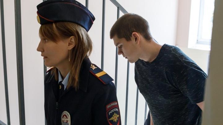 «От звонка до звонка»: погубивший семью молодогвардеец Ренат Булатов вышел на свободу